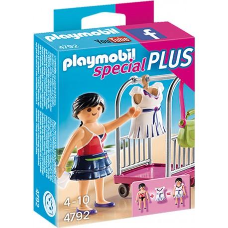 PLAYMOBIL MODELO CON PERCHERO